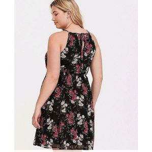 torrid Dresses - Torrid 5 black chiffon floral dress